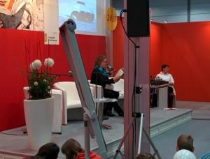Katja Brandis liest